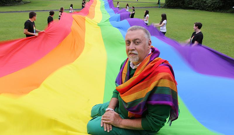 gilbert-baker-drapeau-LGBT-vivre-trans
