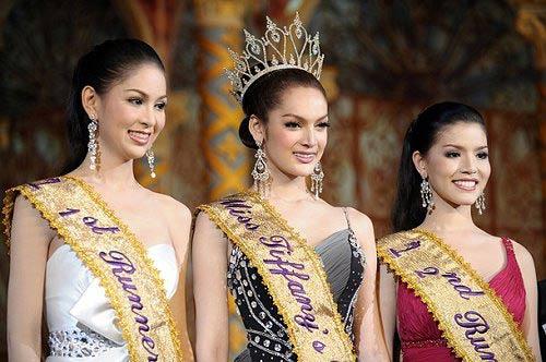 Miss-Tiffany-2009-concours-katoey-vivre-trans-1