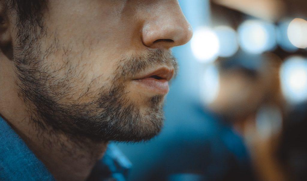 pilosité-traitements-hormonaux-masculinisants