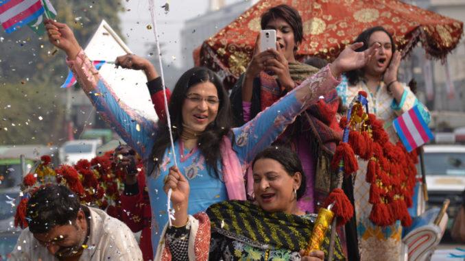 Les Khawajasiras - la révolution du 3ème sexe au Pakistan avance-vivretrans