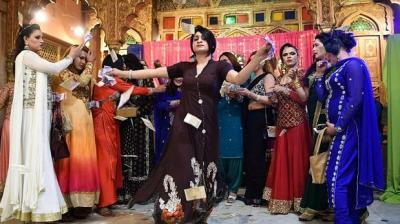 Les Khawajasiras - la révolution du 3ème sexe au Pakistan avance-vivretrans 2