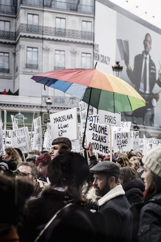 manifestation-contre-les-violences-Confinement et violences conjugales - la communauté LGBT, les oubliés de l'histoire