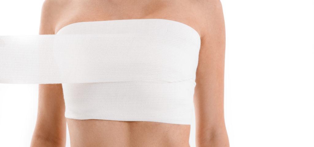 Bandage de poitrine : trucs et astuces pour les hommes trans, les personnes non binaires et de genre
